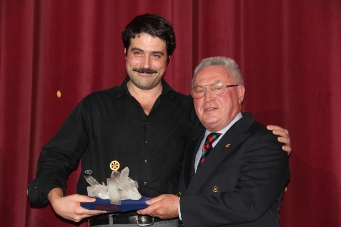 """Johannes Naber, mit """"Der Albaner"""" Sieger in der Kategorie Langspielfilm 2011 und Juwelier Richard Weiland mit dem """"Mainzer Rad"""""""